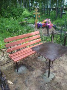 столик и скамейку на кладбище купить в Тюмени