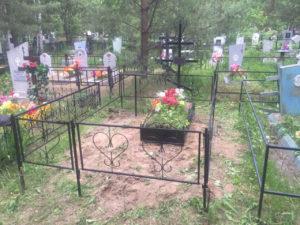 кладбищенский крест на могилу Тюмени